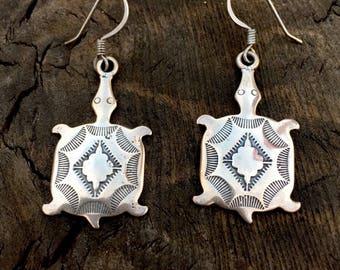 Sterling silver native turtle earrings, turtle earrings, sterling silver turtle earrings, native turtle jewelry, indian turtle earrings