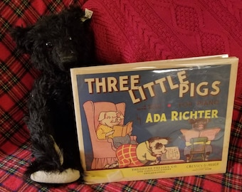 Vintage music book Three Little Pigs for Piano by Ada Richter.  A story with music.