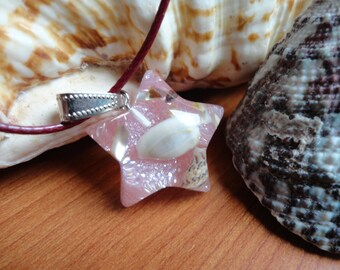 """""""star of the Mermaid Princess"""" necklace, shell and resin"""