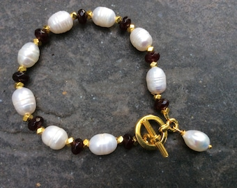 CLEARANCE Garnet Bracelet with freshwater Pearls Beaded Toggle bracelet with antique gold beads and Pearl dangle charm January birthstone