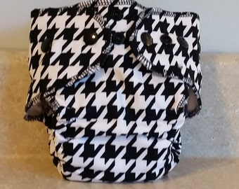 Fitted Preemie Newborn Cloth Diaper- 4 to 9 pounds- Houndstooth- 16015
