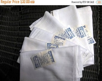a set of 6 parts, white napkins, produced in 1974 in Bulgaria, wipes with labels, well-preserved, napkins for feeding, cotton-purpose