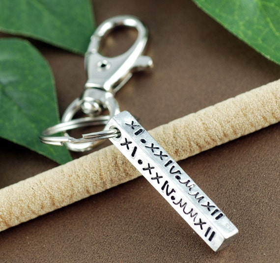 Roman Numeral Keychain, Anniversary Gift, Date KeyChain, Gift for Dad, Special Date Key Chains, GIft for Him, Wedding Anniversary Gift