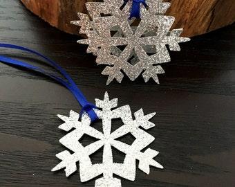 12 snowflake favor tags .. birthday favor tag .. winter wonderland favor tags