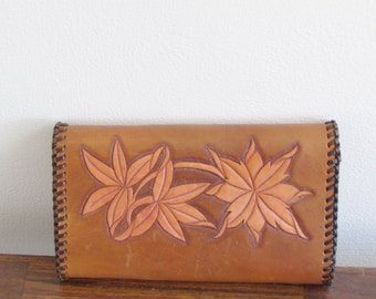 Vintage Hand Tooled Leather Clutch, Leather Wallet, Tan Beige Wallet, Tooled Leather Billfold,  Tri Fold Wallet