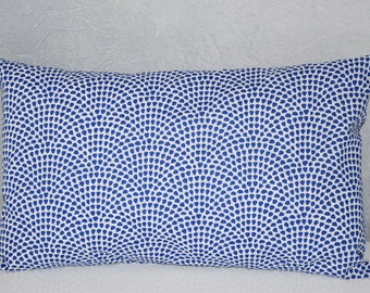 Pillow - 50 X 30 cm - fabric cover * waves * geometric - Royal Blue and white