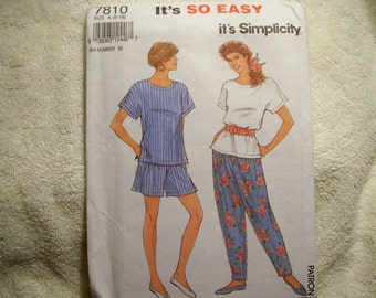Simplicity Pattern - 7810 - Misses' Loose Fitting Top And Pants Or Shorts - Seven Sizes In One (6-18) - Factory Fold, Uncut Pattern