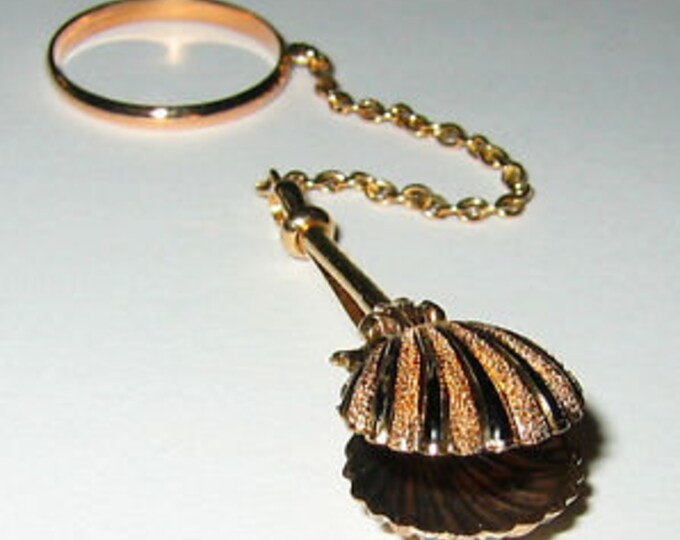 VICTORIAN.. 14K Yellow Gold and Enamel, Ladies Handkerchief/Dress Holder With Ring.