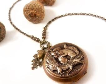 Squirrel Necklace, Squirrel Locket, Acorn Necklace, Oak Leaf Necklace, Autumn Jewelry, Squirrel Lover's Gift, Picture Locket