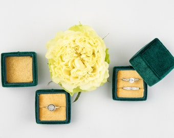 Velvet ring box - Vintage ring box - Wedding - Gift - Green