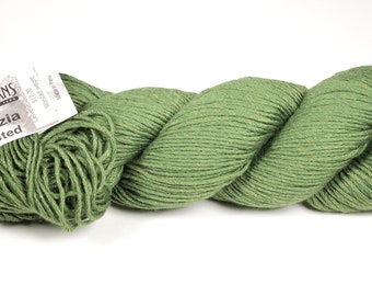Cascade yarn - Venezia Worsted - green yarn - luxury destash - merino silk yarn - knitting yarn - merino yarn - free shipping