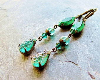 Emerald Vintage Crystal Jeweled Earrings - Antique Brass Drops