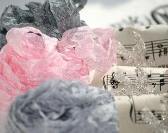 Crinkled Ribbon -  Seam Binding -  ELEGANCE - 18 yards - Pale Pink Ribbon -  Grey Ribbon -  Gray Ribbon , Crinkled Ribbon , Vintage Style