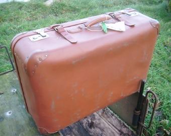 DIY Vintage volcano fiber suitcase, DIY project, Paris-Berlin-Moscow