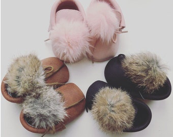 Bunny Tail Baby Booties - Baby Moccasins - Baby Gift - Baby Accessories - Baby Shoes