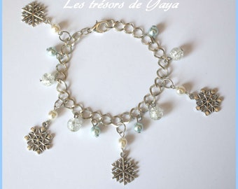 Snowflakes, white and blue beads charm bracelet