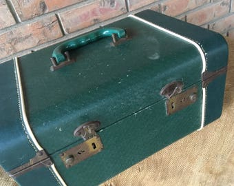 Green vintage train case, overnight case