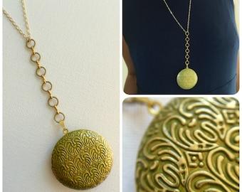 Large Locket Photo locket Gold Locket Green Locket Antique Locket Brass Locket Large Locket Patina Locket Modern Locket Golden, Mothers Day
