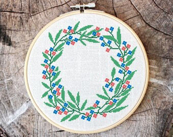 Cross stitch pattern, floral wreath, embroidery pattern, Pdf PATTERN ONLY (W001)