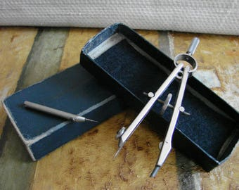 Vintage Compass Set -- Measuring Devices, Rustic Home decor, Man Cave accessory, Precision measuring tool