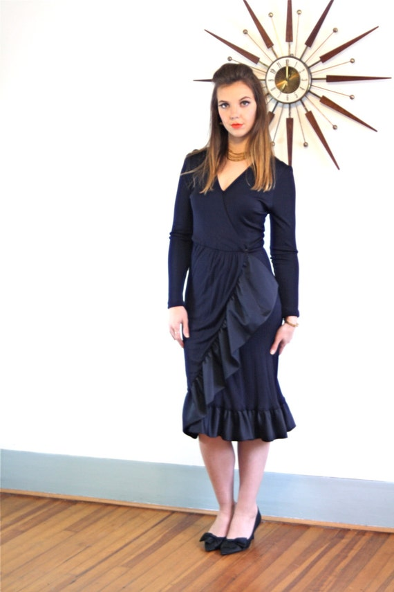 Black wrap dress, 60s Ruffle dress, JILL RICHARDS, deep V neck dress, vintage Cocktail, 70s Wrap Dress, Sexy black dress, Long Sleeve dress