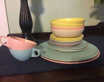 Stetson pastel melmac mar-crest 15pc  dinnerware set melamine 1950s