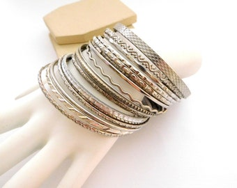 Vintage Retro Set 17 Unmarked Silver Tone Layering Bangle Bracelet Lot Set P15
