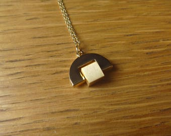 Graphic geometric gold necklace