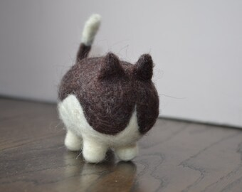 Needle felted cat, with white belly, funny and cute kitty, pocket cat, stylish gift
