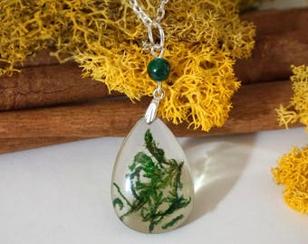 Nature jewelry Moss necklace Green drop necklace moss green necklace Moss terrarium necklace Moss pendant Plant necklace Resin necklace