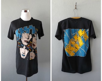 1985 KISS asylum tour tee - vintage 80s metal rock band t shirt - men's size s/small - worn in faded grunge tshirts - 1980s hippie boho goth