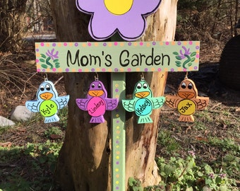 Personalized Mom's garden stake
