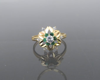 Vintage 18K Solid Yellow Gold White Topaz & Emerald Flower Ring Size 5.5