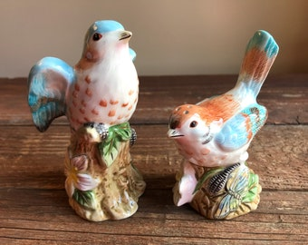 """Vintage Fitz and Floyd """"Toulouse"""" bird salt and pepper shakers"""
