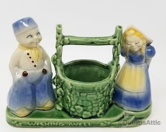 Vintage Shawnee Pottery Wishing Well with Dutch Boy and Dutch Girl 1940#
