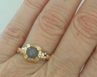Antique 10k grey moonstone ring