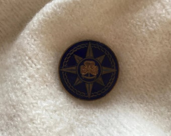 Vintage Girl Guide Pin from England