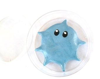 Mini Microbe Friend Sal With Petri Dish