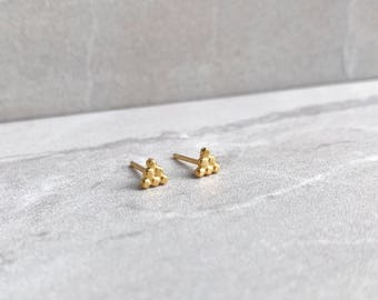 Gold plated dot pyramid stud earrings - Triangle earrings