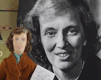 Dorothy Hodgkin, Scientific Art, Scientist Doll, Biochemistry Science, Miniature Size Figurine