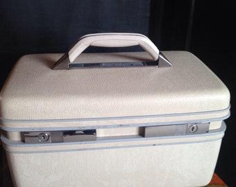 Sears Courier Train Case!