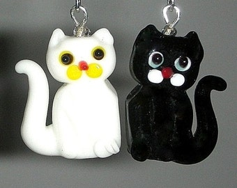 Black and white cat earrings, lampwork glass, mismatched cats, asymmetrical cat earrings, white and black, animal theme, Halloween