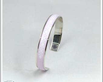 Bangle is plated silver Inka Maria light pink