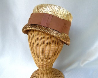 Vintage Ladies Hat Tan Straw Bucket Hat
