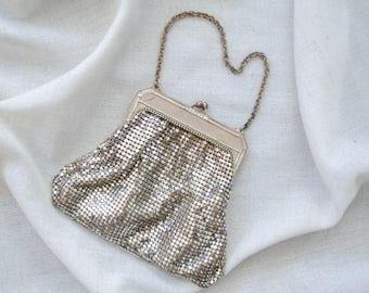 1930s Whiting & Davis silver mesh purse