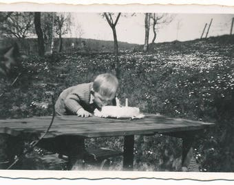 Nice snapshot of a boy eating a birthday cake! -Beautiful Birthday picture!