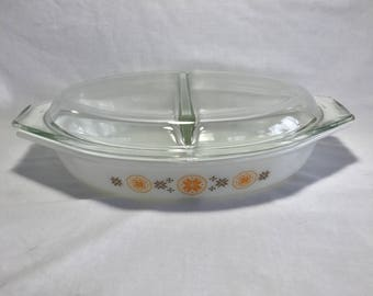 Vintage Pyrex Town and Country 1.5 Qt Divided Casserole Dish |Pyrex Casserole Dish with Orange and Brown Pattern with Lid