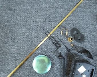Accessories for pendulum quartz clock mechanism