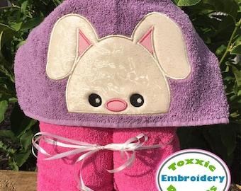 Bunny Peeker Applique