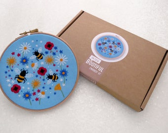 Bees Embroidery Kit, Wild flower Needle Craft Kit, DIY Wildflower Hoop Art, Summer Hand Embroidery Project, Floral Sewing Kit, Sewing Gift
